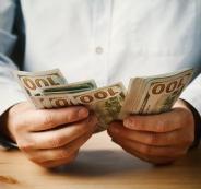 راتب شهري بالدولار