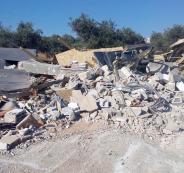جرافات الاحتلال تهدم منزلاً في قرية قلنديا شمال القدس