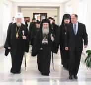 الاحتلال توعد باجتياح بيت لحم إذا لم يسمح للبطريرك ثيوفيلوس من الوصول لكنيسة المهد
