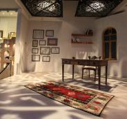 مجهولون يقتحمون منزل الشاعر محمود درويش ويسرقون مقتنيات ومخطوطات شخصية