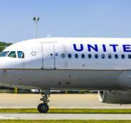 طائرة شركة يونايتد إيرلاينز الأميركية للطيران