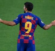 سواريز يغادر برشلونة