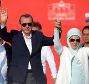 زوجة اردوغان تعفو عن ممثلة تركية