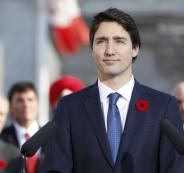 شاهد: عساكر كنديون يتساقون على الأرض أثناء كلمة لرئيس الوزراء
