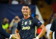 طرد رونالدو امام فالنسيا