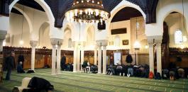 فرنسا واغلاق المساجد