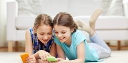 الاطفال والهواتف الذكية