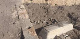 الاحتلال بنبش قبر طفلة في الخليل