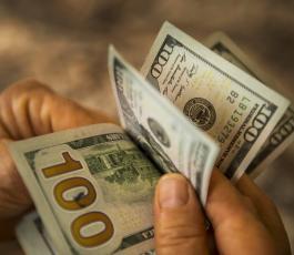 الدولار الامريكي والهبوط