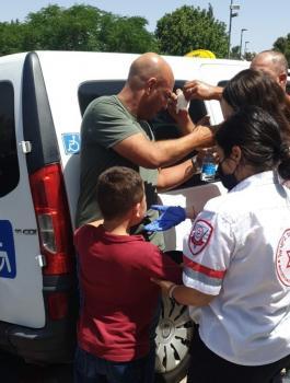 المستوطنون يعتدون علىى اطفال فلسطينين في القدس