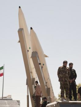 ايران والسلاح النووي