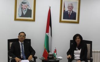وزيرة الاقتصاد وسفير الصين يبحثان إعفاء فلسطين من الجمارك