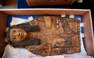 البرلمان المصري يصادق على قانون بفرض عقوبة المؤبد لمهربي الآثار