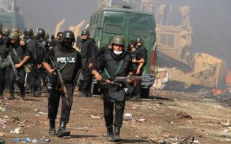 اغتصاب شاب لامه في مصر