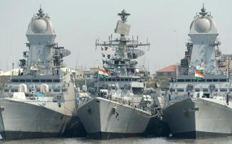 سفن حربية هندية في الخليج العربي