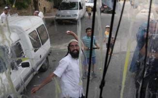 إصابة سيدة بجروح ورضوض بعد اعتداء مستوطنين عليها في برقة شمال نابلس