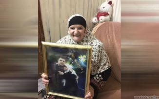 مهدية نصار والدة الاسير حسين