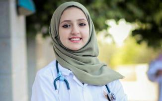 ملاك دقروق اصغر طبيبة في فلسطين