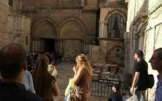 بعدما انتهوا من الصلاة وخرجوا انهار السقف.. هذا ما حدث للكنيسة الملاصقة لكنيسة القيامة