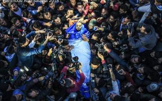 جثمان الشهيد الصحفي أحمد أبو حسين يصل قطاع غزة