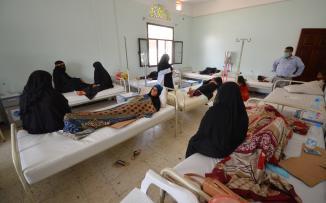 1143124-مصابو-الكوليرا-فى-اليمن-يتلقون-العلاج