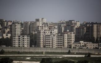 هدم بنايات سكنية في كفرعقب