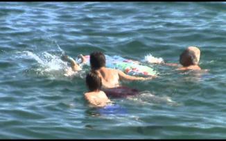 إنقاذ 4 أطفال من الغرق في البحر جنوب قطاع غزة