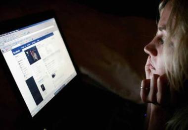 الاخبار الكاذبة في فيسبوك