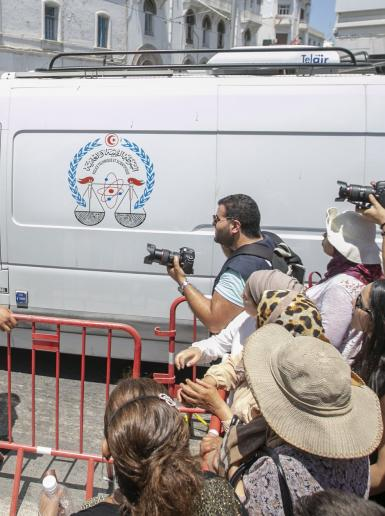 تفجير انتحاري يستهدف السفارة الفرنسية وسط العاصمة التونسية