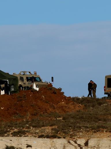 جيش الاحتلال ينصب تكنة عسكرية ويطلق بالونا للمراقبة شمال رام الله