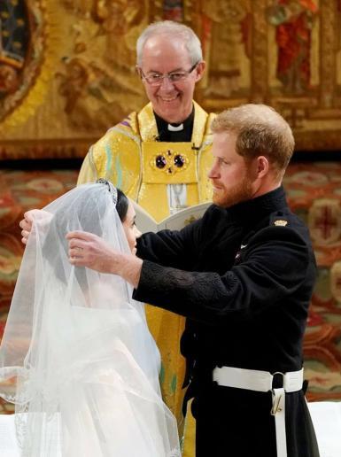 حفل زفاف الأمير البريطاني هاري والممثلة الأمريكية ميغان ماركل وسط حضور الآلاف عصر اليوم