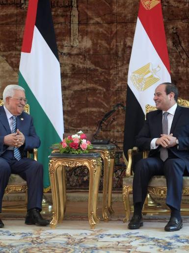 الرئيس يلتقي نظيره المصري في القاهرة