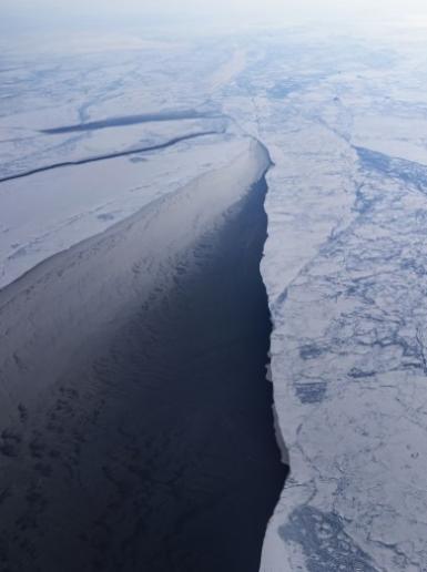 ذوبان يفوق المتوقع بجليد القطب الشمالي