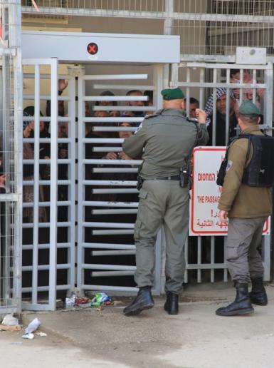 قوات الاحتلال تشدد الإجراءات الأمنية على مداخل الحرم الإبراهيمي في الخليل