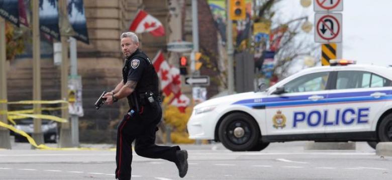 شاحنة تصدم عدد من المارة وتقتل 4 وتصيب 18 آخرين في كندا
