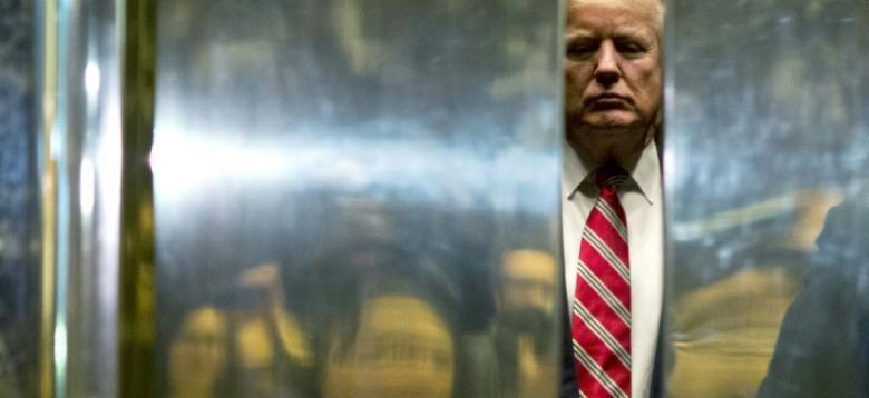 كاتب مذكرات ترامب يتوقع استقالته بحلول الخريف المقبل