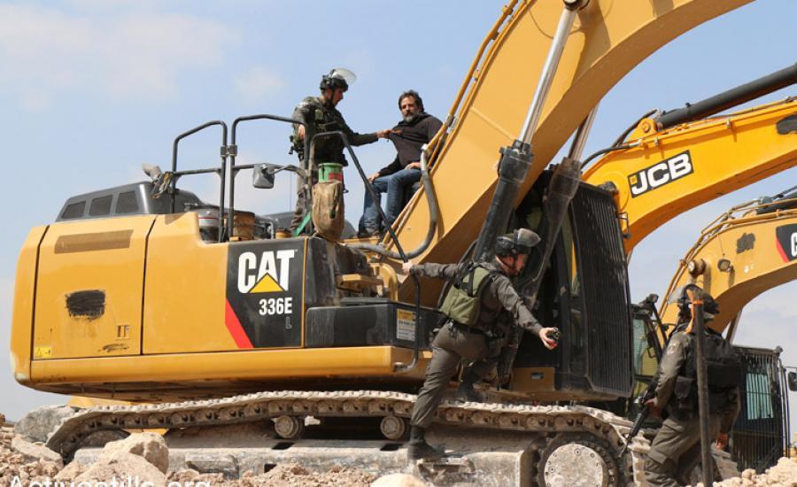 الاستيلاء على جرافة فلسطينية