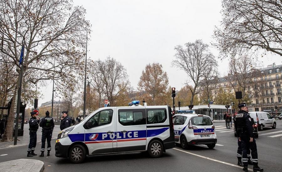 فرنسا تسجن طالبة