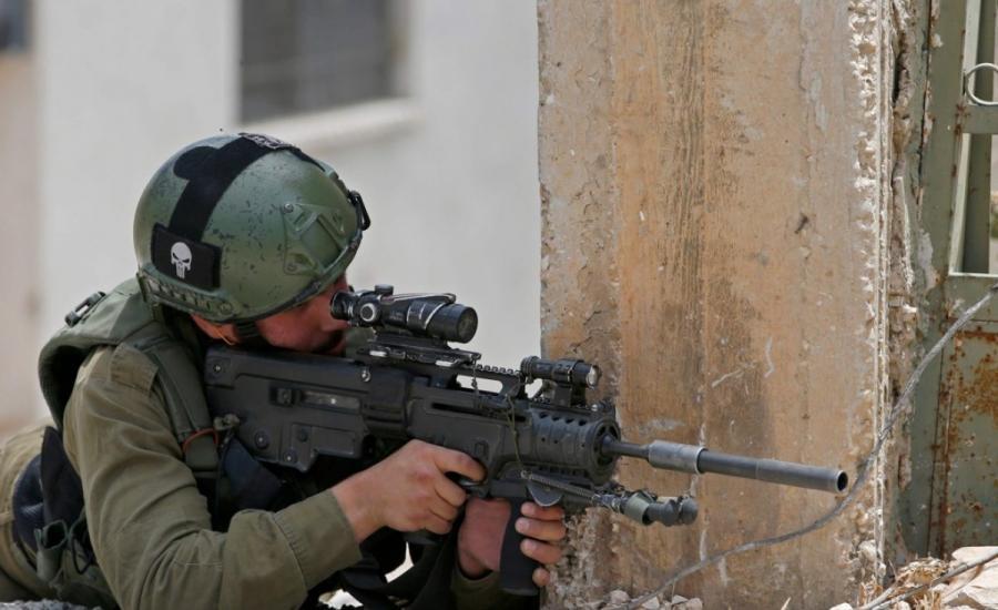 اسرائيل تجند مسؤول عربي