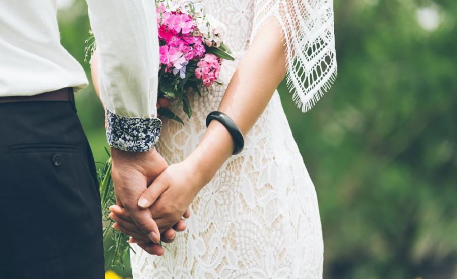 العروس وشهر العسل