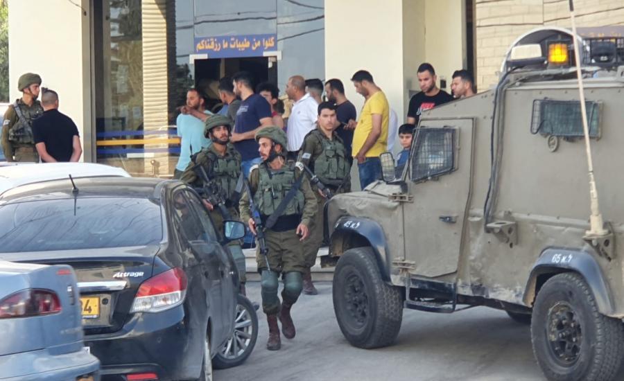 المستوطنون يهاجمون الفلسطينيين في الضفة الغربية