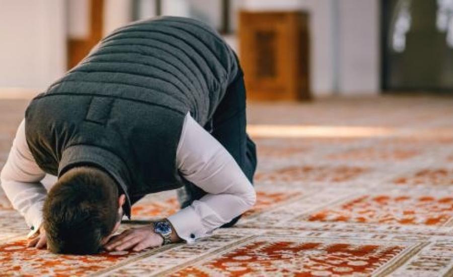 عدم_التركيز_في_الصلاة.jpg