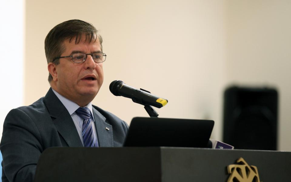 انتخاب وزير الصحة  عواد   نائباً للمدير الاقليمي للصحة العالمية في حوض المتوسط