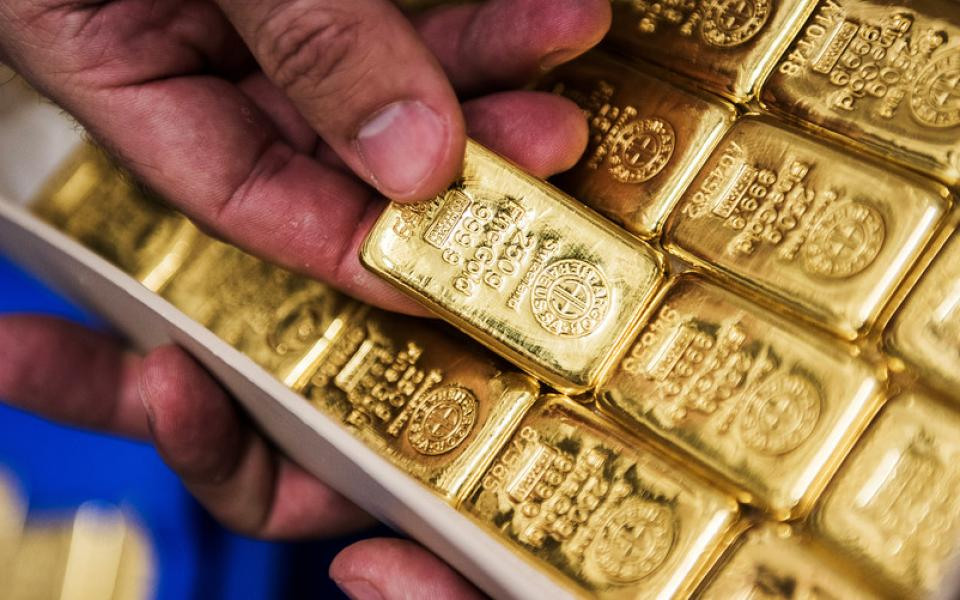 أسعار الذهب تهبط مع ارتفاع سعر الدولار - موقع رام الله الإخباري