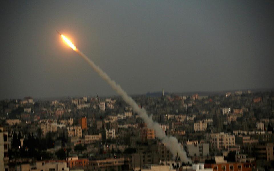 إصابة مستوطن بجروح جراء إطلاق صواريخ من قطاع غزة نحو مستوطنة  سديروت  - موقع رام الله الإخباري