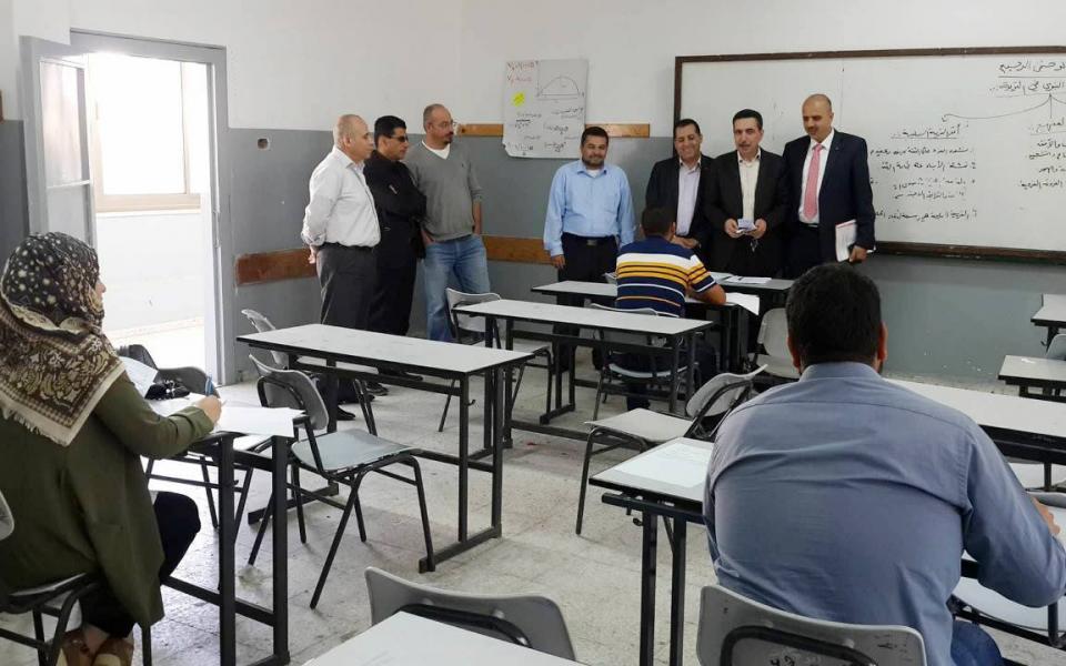 أكثر من 3700 تقدموا  لوظائف إدارية في وزارة التربية والتعليم - موقع رام الله الإخباري