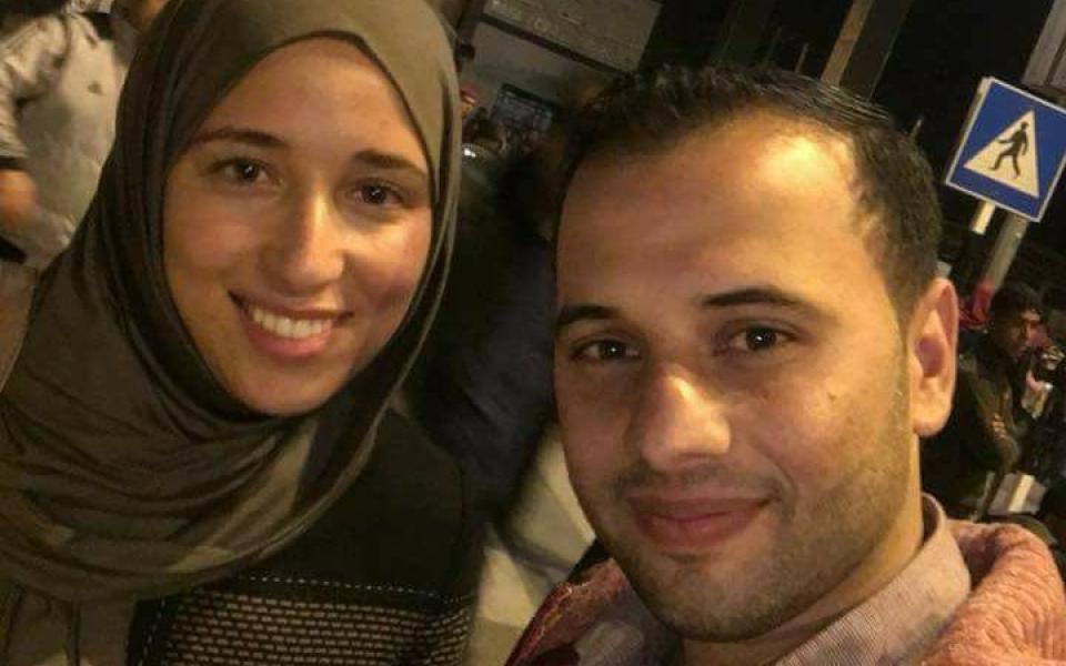 حسن وابتهال عروسان فرقهما الاحتلال 3 سنوات واجتمعا أخيراً على معبر رفح - موقع رام الله الإخباري