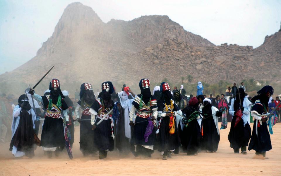 اكتشاف مقابر  أسلاف الطوارق  تعود لآلاف السنين بصحراء ليبيا - موقع رام الله الإخباري
