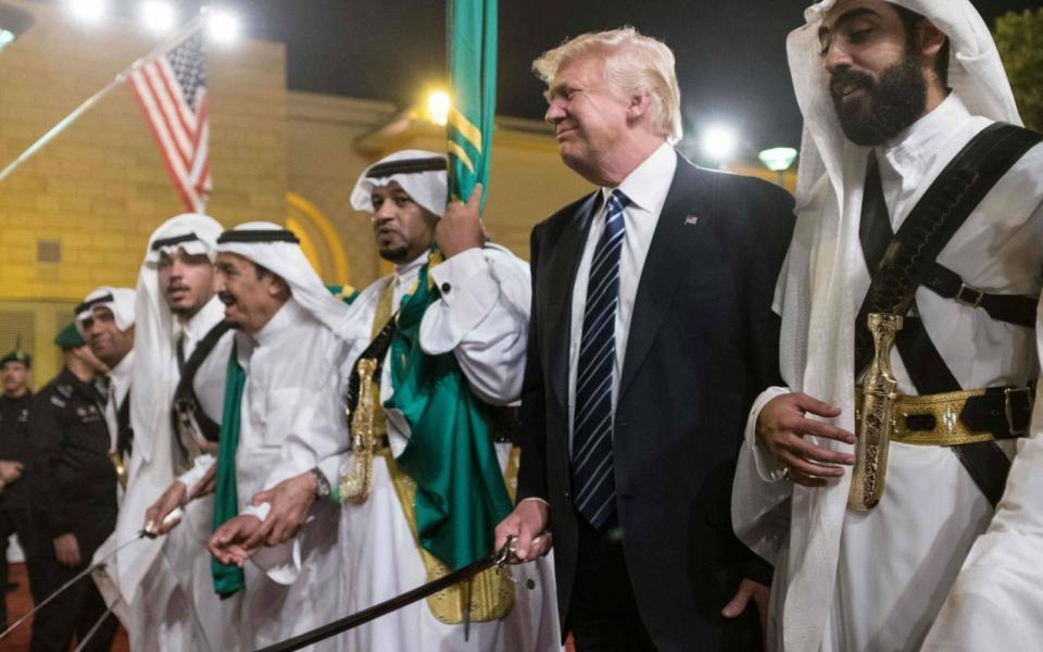 ترامب : السعودية تغطي كافة تكاليف الجيش الامريكي وتدفع لنا المليارات - موقع  رام الله الإخباري