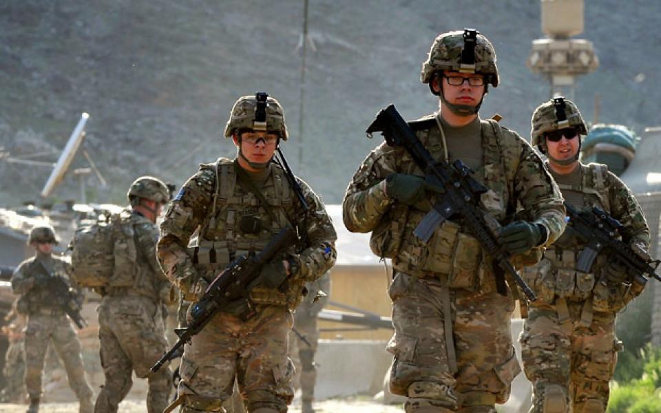 quân đội Hoa Kỳ sẽ không tiếp nhận các đơn ứng tuyển của những người dương tính với COVID-19.